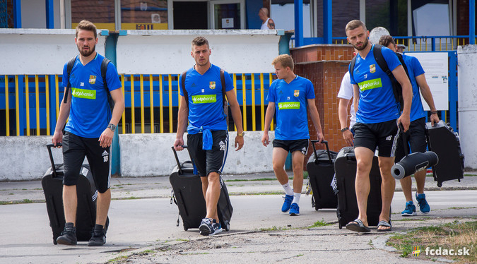 DAC: Elutazott a csapat az ausztriai edzőtáborba