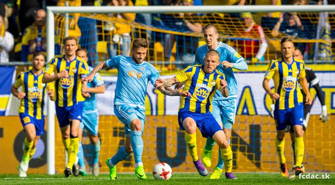 FIGYELEM! Változik a DAC-Slovan rangadó időpontja