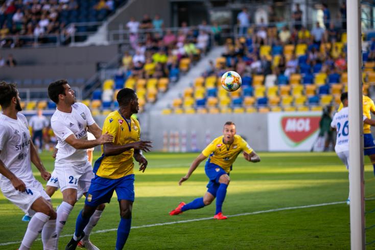 Fortuna Liga, 21. forduló: Sárga-kék futballcsata a MOL Arénában