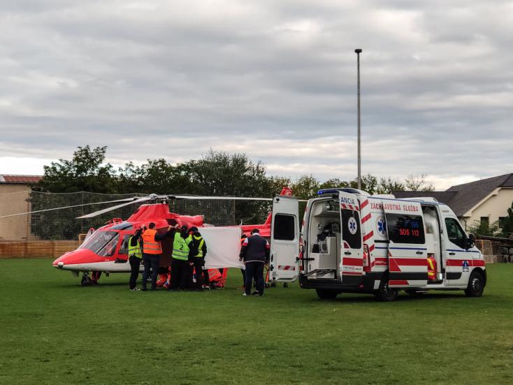 Komárom-DAC: Súlyos Sainey Njie sérülése, mentőhelikopterrel Érsekújvárba szállították