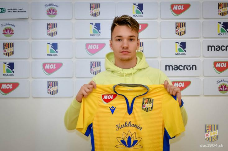 DAC: Profi szerződést kötött a sárga-kékek fiatalja