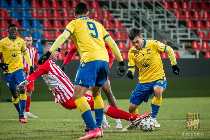 A Sereď elleni bajnokin szabálytalankodtak eddig a legtöbbet a DAC ellen az idei szezonban (VIDEÓ)