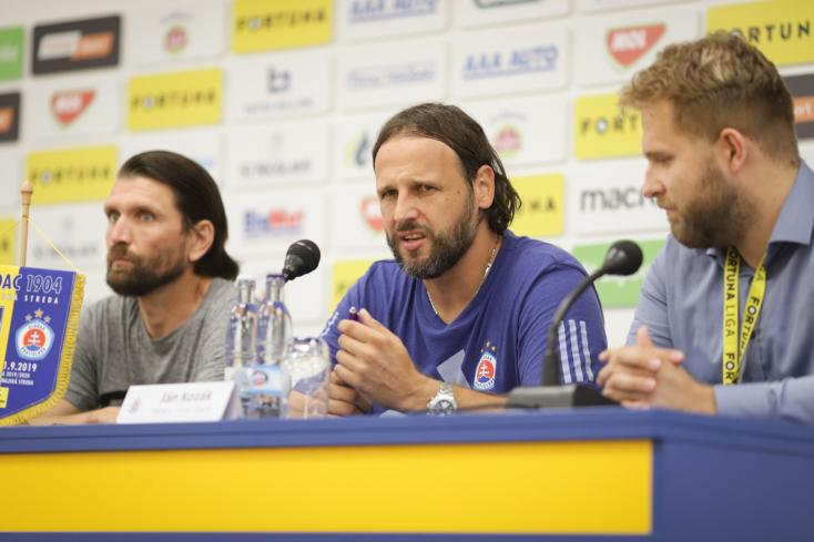 A Slovan edzője szerint nem csak a magyargyalázó rigmusokkal kellene foglalkozni