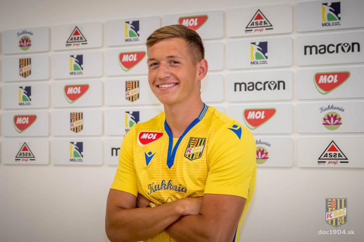 Profi szerződést kötött a DAC fiatal labdarúgója